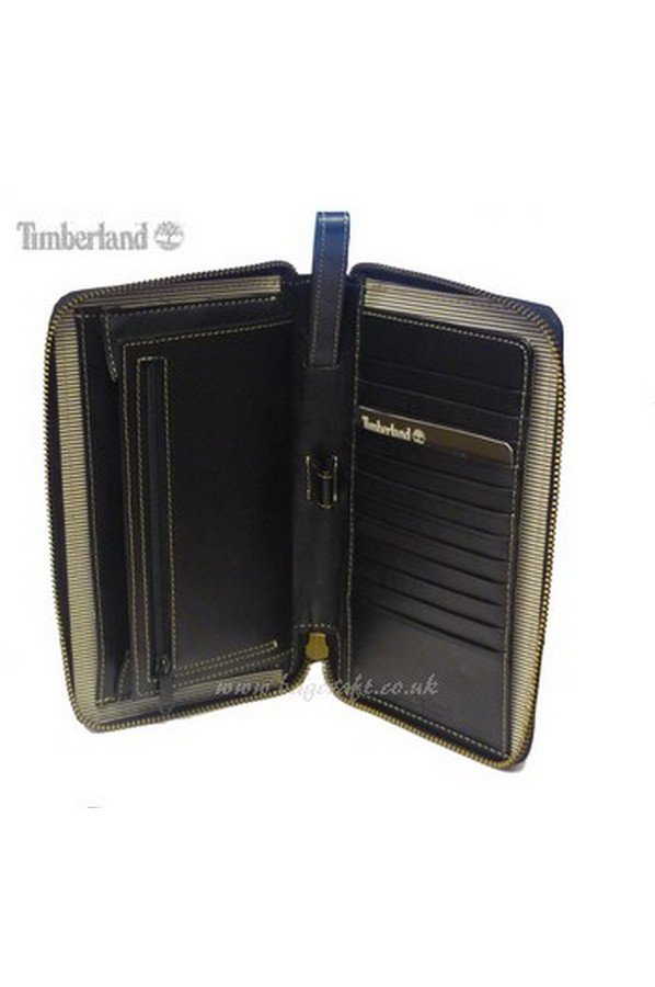 Timberland Leather Travel Wallet